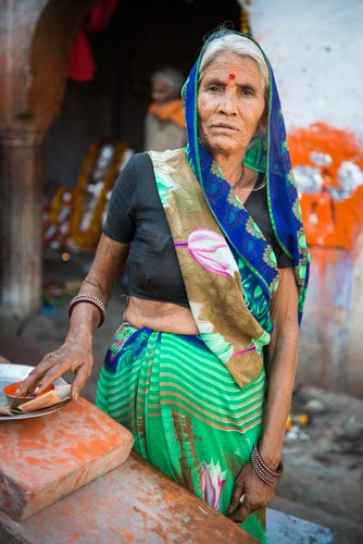 India Travel Writing Expedition - Temple Lady