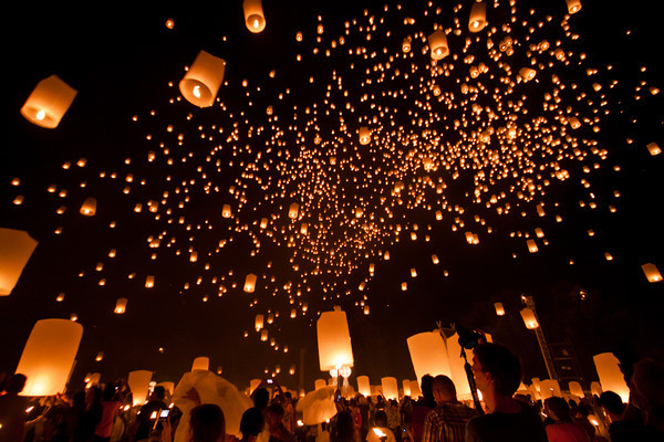 Favorite Images From Festivals In The Past Which Includes Release Of More Than 10000 Paper Lanterns And At Wat Phan Tao